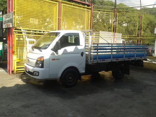 hyundai hr 2.5 hd 2013 com carroceria de madeira,unico dono