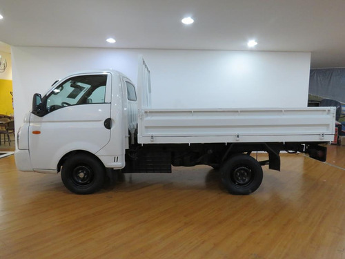 hyundai hr 2.5 longo caçamba 4x2 130cv tb diesel 38.800 kms
