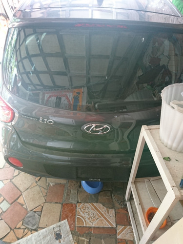 hyundai i10 chocado