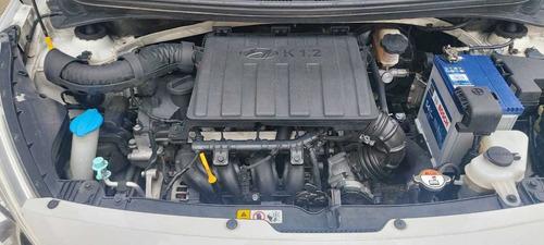 hyundai i10 sedan full blanco auto carro 2015 unico dueño