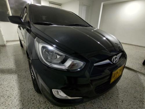 hyundai i25 hatchback mecánico 1400 2014