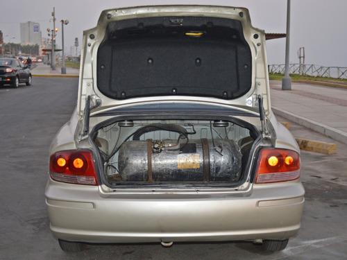 hyundai sonata 2004, motor 2.0, color beige plata