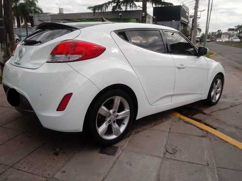 hyundai veloster 1.6 130cv at