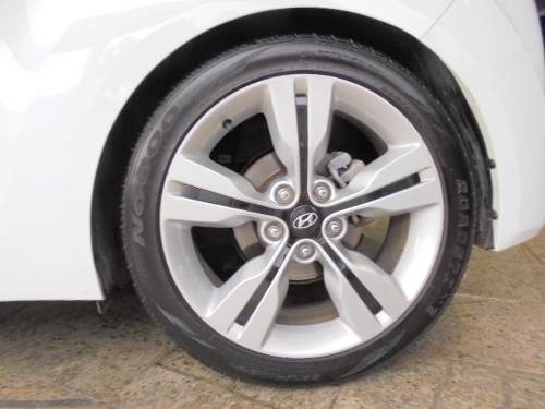 hyundai veloster 1.6 aut 2013 teto+multimídia+roda 18