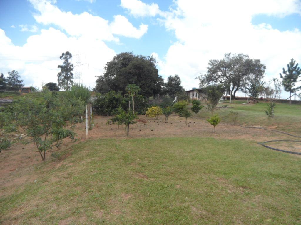 ibiúna; chácara formada c/ 4.530,00m2 área construída 250m2