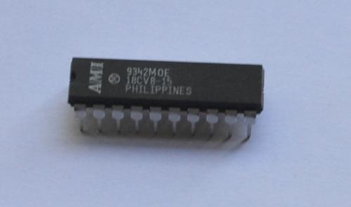 ic  memoria  lógica programable 8 e   18cv8-15 ami dip