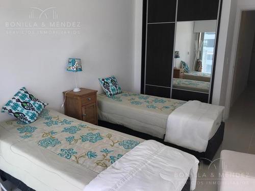 icon brava!! 2 dormitorios, 2 baños, 1 de ellos en suite, cómoda planta con doble balcón, órden de venta!!