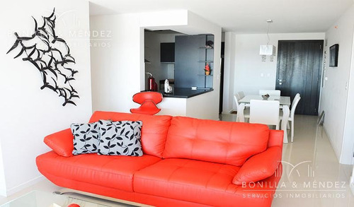 icon brava, 2 dormitorios y medio, 2 baños, garage, muy buena orientación, disponible verano 2019