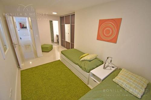 icon brava, piso alto! 3 dormitorios en suite, toilette y dependencia de servicio, equipado.