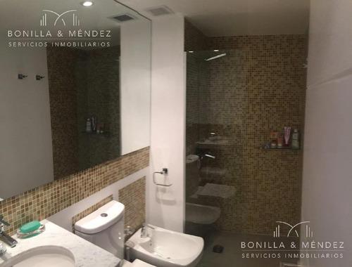 icon brava, piso alto, excelente vista a la brava! 2 dormitorios, 2 baños, 1 de ellos en suite, equipado por walmer
