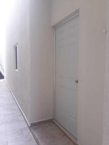 id:105342, casa nueva en privada, vigilancia 24/72 plantas, pisos de porcelanato, recamaras con baño-vestidor, estancia familiar, cochera para 2 carros.patio amplio, lavandería.   para mayores info