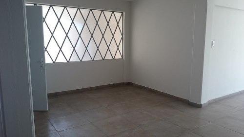 id:75471, se renta amplio y bonito departamento, muy iluminado con excelente ubicación en el corazón de polanco, se ubica en 2do. piso, es exterior, cuenta con estancia para sala y comedor, cocina in
