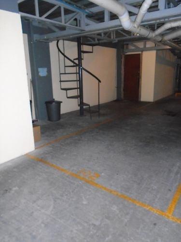 id:78666, departamento 102 ubicado en el 1er piso de un edificio que se desarrolla en 5 niveles, interior y cuenta con la siguiente distribución:elevador al piso con acceso controlado, pequeño vesti