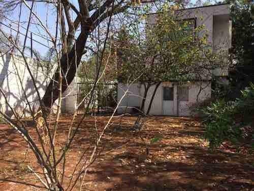 id:79286, excelente propiedad en esquina con terreno de 2220 y una casa de 432 m2 para remodelar   dentro del fraccionamiento jurica campestre, aprovecha la oportunidad de vivir alrededor de arboles