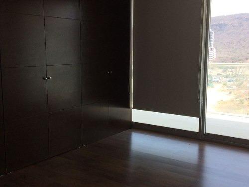 id:79346, exclusivo departamento en central park de 141m2 de construcción, 2 recámaras con baños completos, sala, cocina, comedor, terraza, estacionamiento techado para dos autos. el edificio cuenta