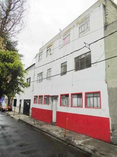 id:79490, guayabo, colonia el arenal, azcapotzalco. se trata de un edificio antiguo de tres niveles que cuenta con 12 departamentos de diferentes tamaños.actualmente los departamentos se encuentran
