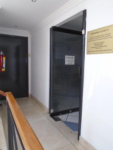 id:80296, piso de oficinas en venta en una de las mejores zonas de la ciudad.   para mayores informes con marco serrano - tels: 25810300 , 5524432137  - email: marco_serrano@lomelin.mx