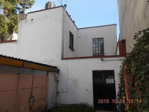 id:80360, casa en renta en la colonia portales, avenida popocatépetl #75, entre las calles de alhambra y balboa. se trata de una casa  interior que se desarrolla en 2 niveles. en planta baja con pati