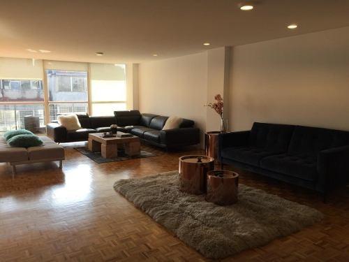 id:80366, se renta amplio departamento totalmente remodelado, impecable, muy iluminado, en el piso 10. la estancia de sala comedor es muy amplia, con espacio para family y balcón. medio baño de visit