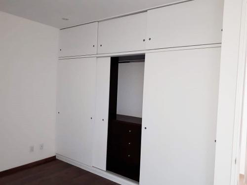 id:80390, departamento en venta, interior, en dos niveles con escalera interna y roof garden privado. es un departamento con construcción vanguardista y moderna, con materiales de excelente calidad.