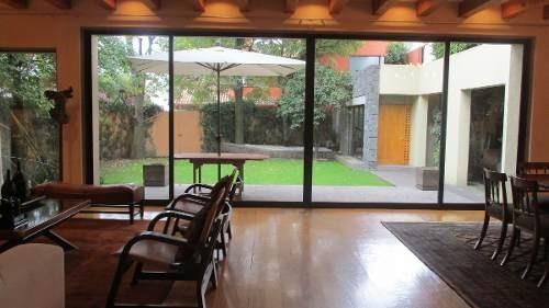 id:80408, se vende preciosa casa en condominio en uno de los más exclusivos fraccionamientos en la ciudad de méxico. condominio de 7 casas con estricta seguridad.la casa es estilo mexicano contempo