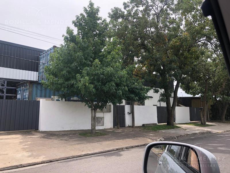 ideal fábrica o deposito, lote de 600 m2 con galpón de 297 m2