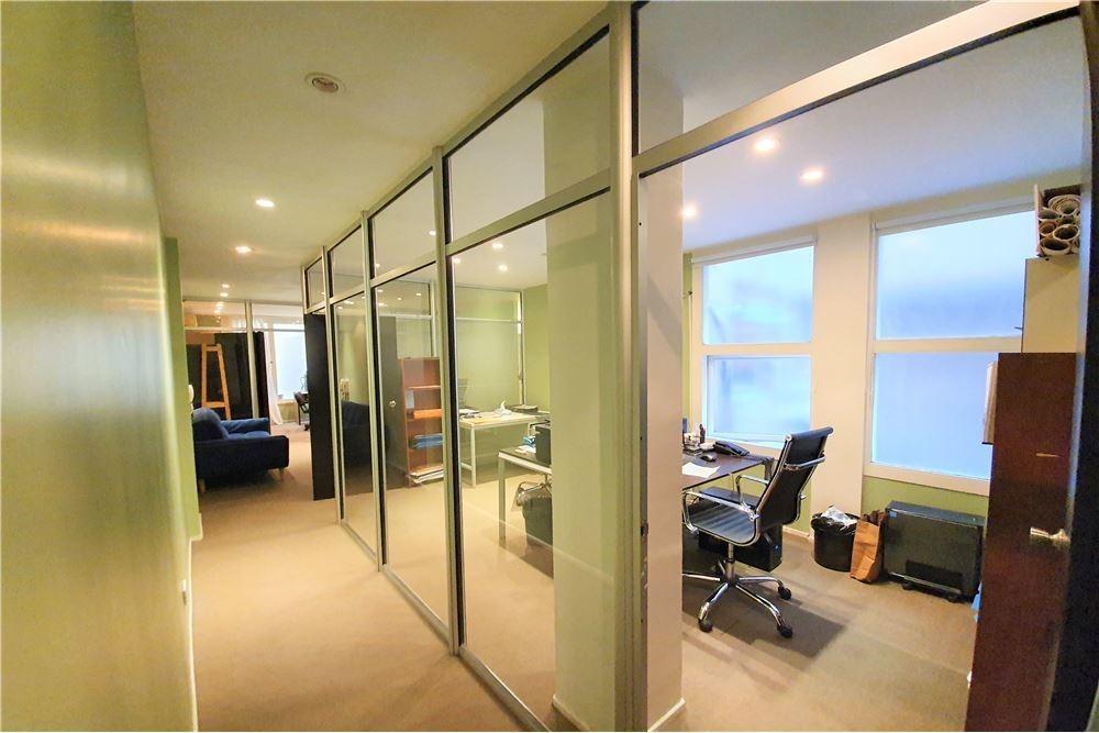 ideal inversor!! oficina con renta, pza.san martín