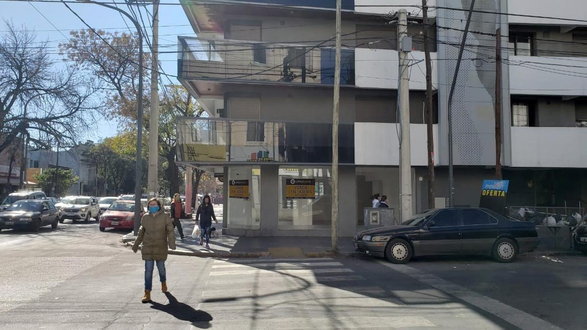 ideal minimercado local esquina en alquiler en  alta cba a mts. de la plaza
