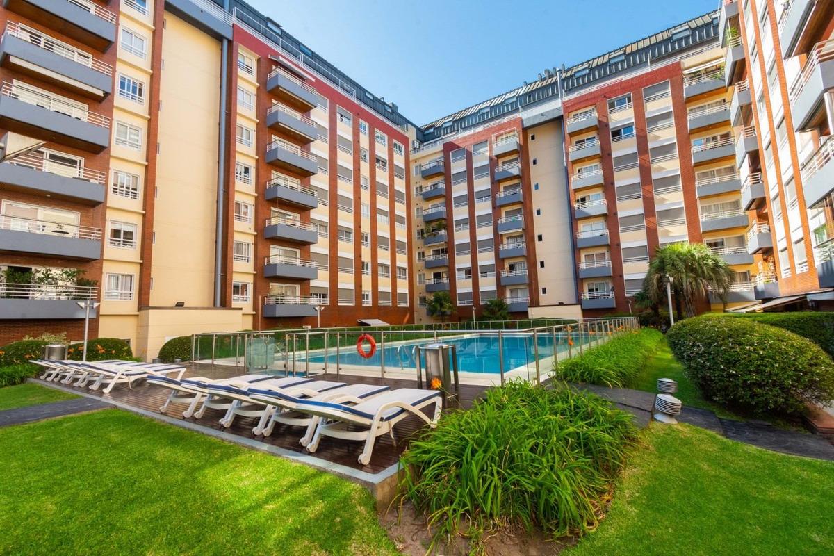 ideal para cuarentena - 100% equipado - balcón corrido y luz