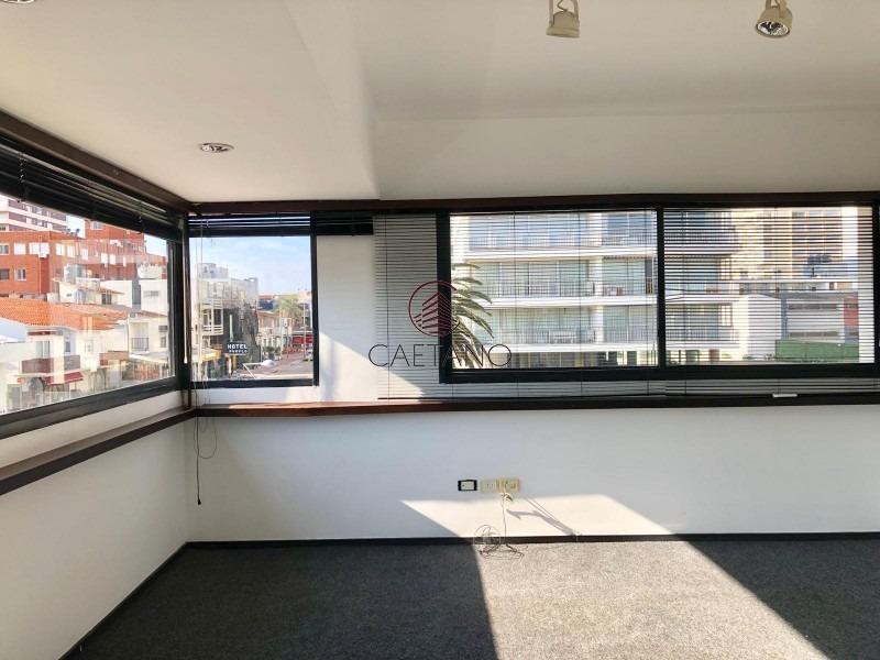 ideal para oficina - excelente ubicación - calle 20-ref:55