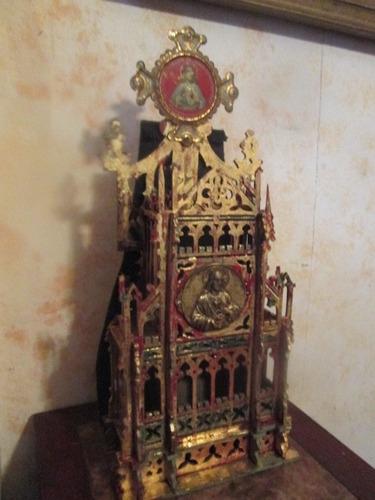 iglesia gotica tallada en madera antigua escultura religiosa