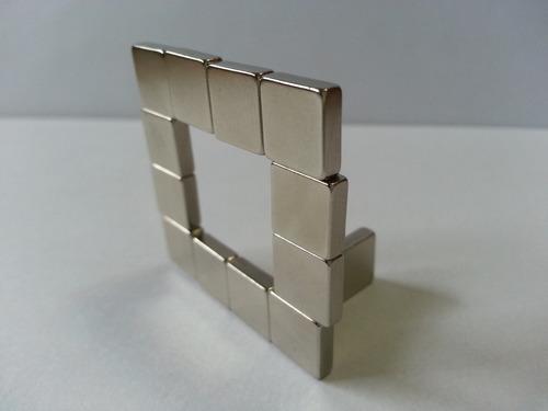 imã de neodímio / super forte / 10mm x 10mm x 3mm *10 peças*