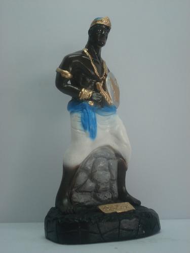 imagem oxaguian escultura orixá do candomblé africano estatu