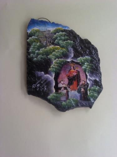 imagen de la virgen y el santuario de las lajas en roca