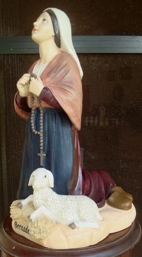 imagen francesa de santa bernardita de lourdes en resina.