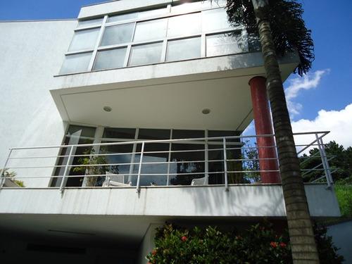 imóvel com arquitetura linda! 04 dorms. telma 12547