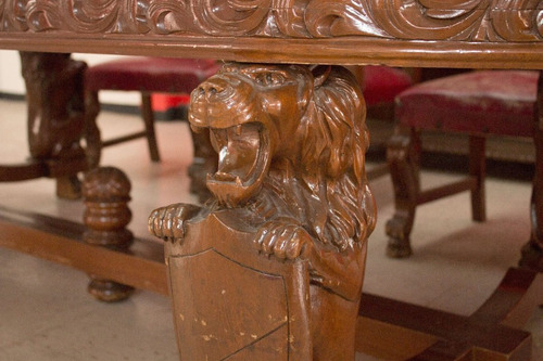 impactante comedor tallado español en madera de cedro