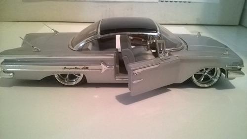 impala clásico techo black escala 1 /24 jada 34 verdes