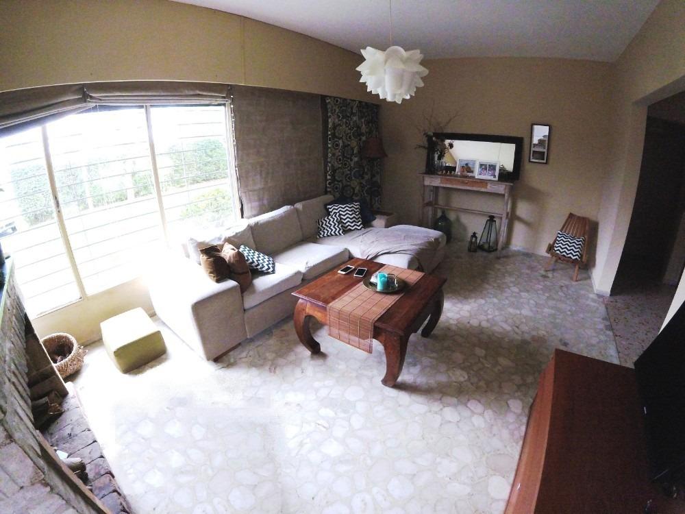 impecable!! 3 dormitorios, 2 baños, gran terreno!!!