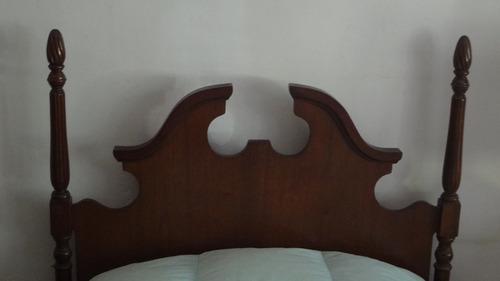 impecable cama maciza de una plaza. excelente estado