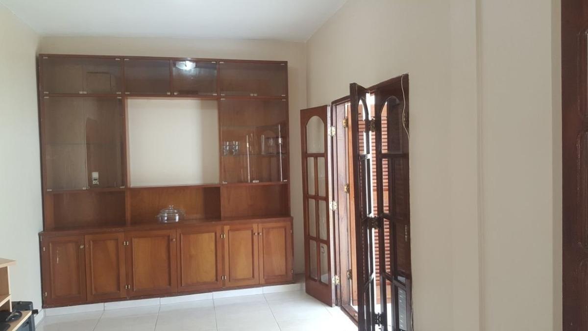 impecable casa céntrica 3 dormitorios con doble cochera