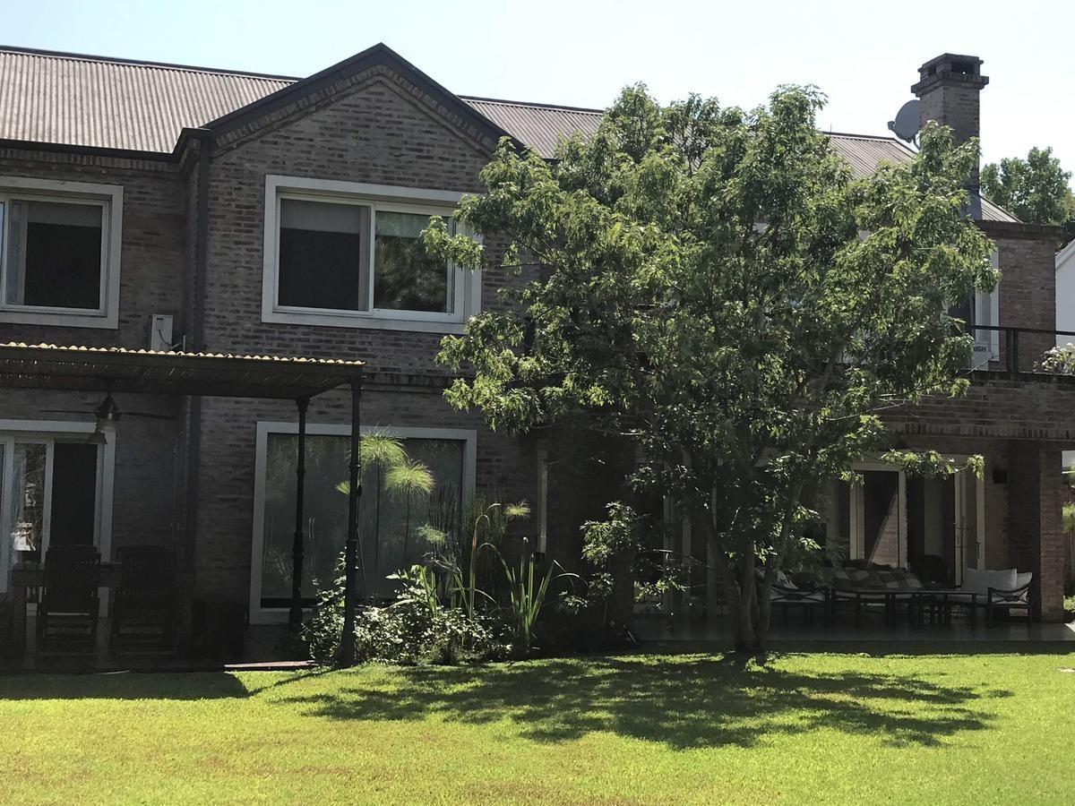 impecable casa en alquiler temporario en la posta, lomas de san isidro.
