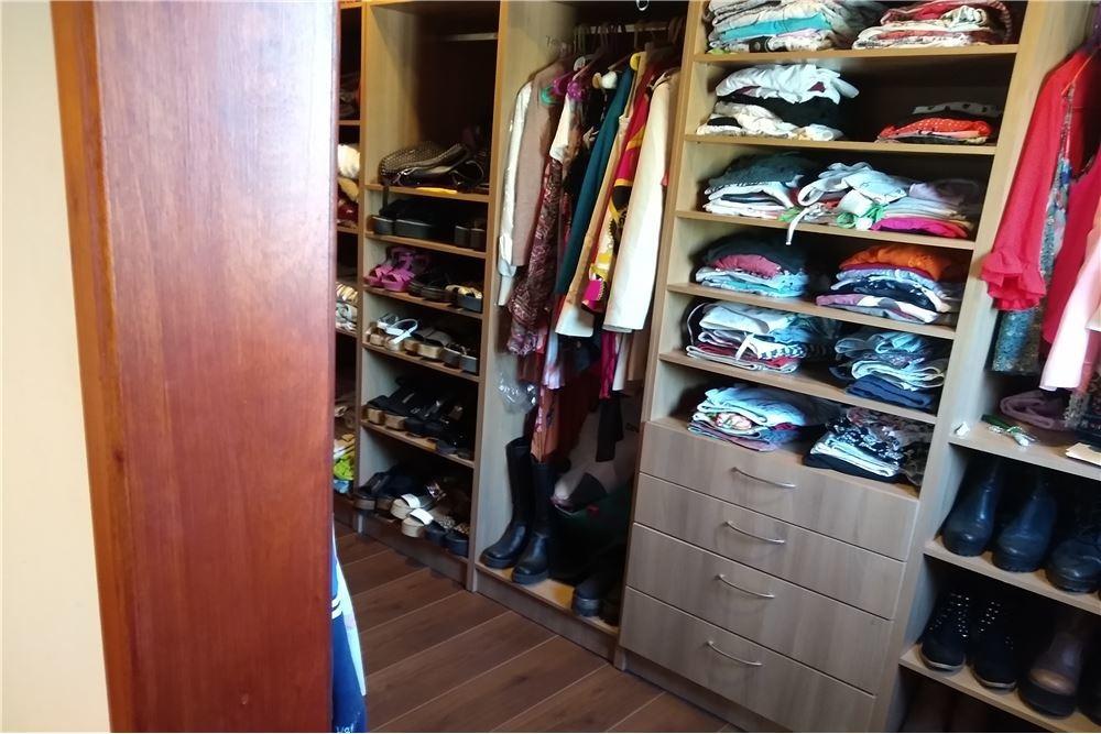 impecable casa en mapuche. acepta permuta.ofertas