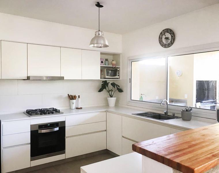 impecable casa en san isidro· 180m² · 5 ambientes · 3 cocheras