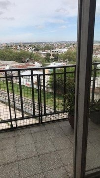 impecable departamento de 4 ambientes con balcón