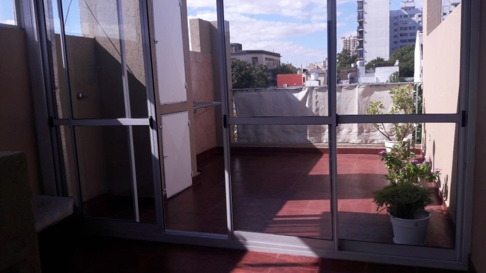 impecable departamento en triplex parque chacabuco.