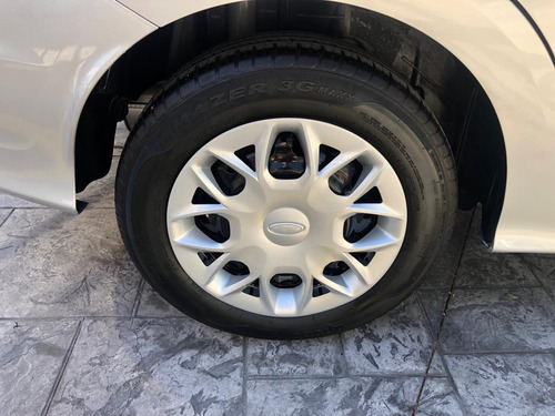 impecable ford figo impulse 2017 unico dueño