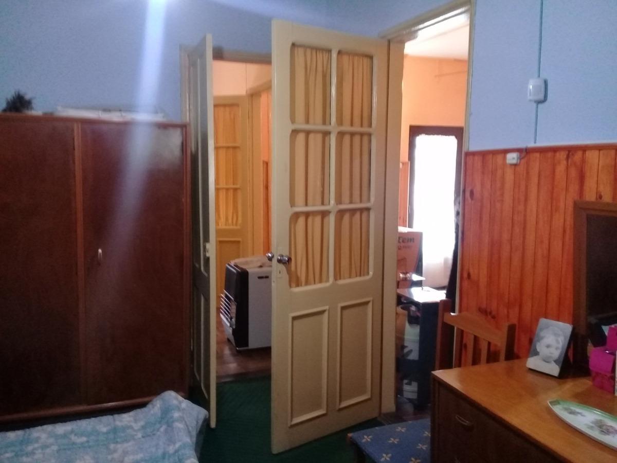 impecable, jardin, gran fondo, servicios, dos dormitorios!!!
