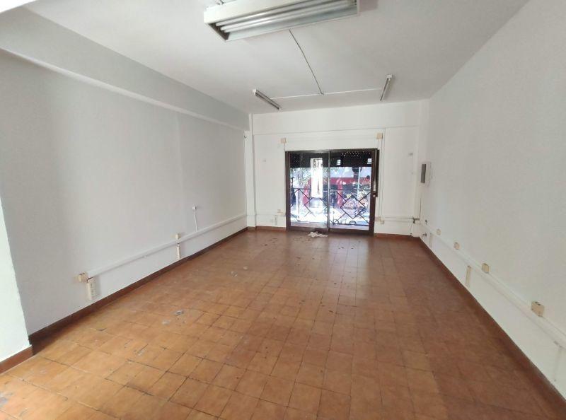 impecable local piso unico en esq av. triunvirato y quesada