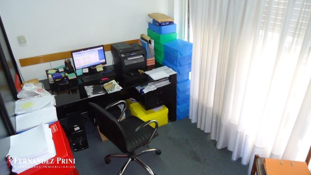 impecable oficina al frente - super luminosa - suipacha 700